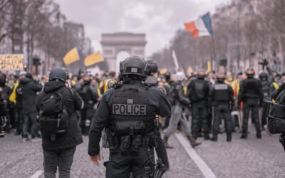 Gilets jaunes, ancien et nouveau pouvoir : la démocratie doit devenir bilingue